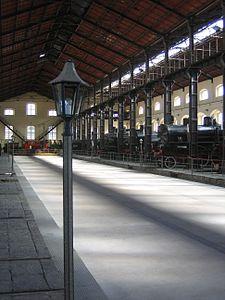 haupthalle_eisenbahnmuseum_pietrarsa