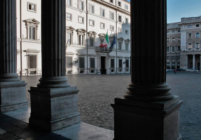 palazzo-chigi-colonne